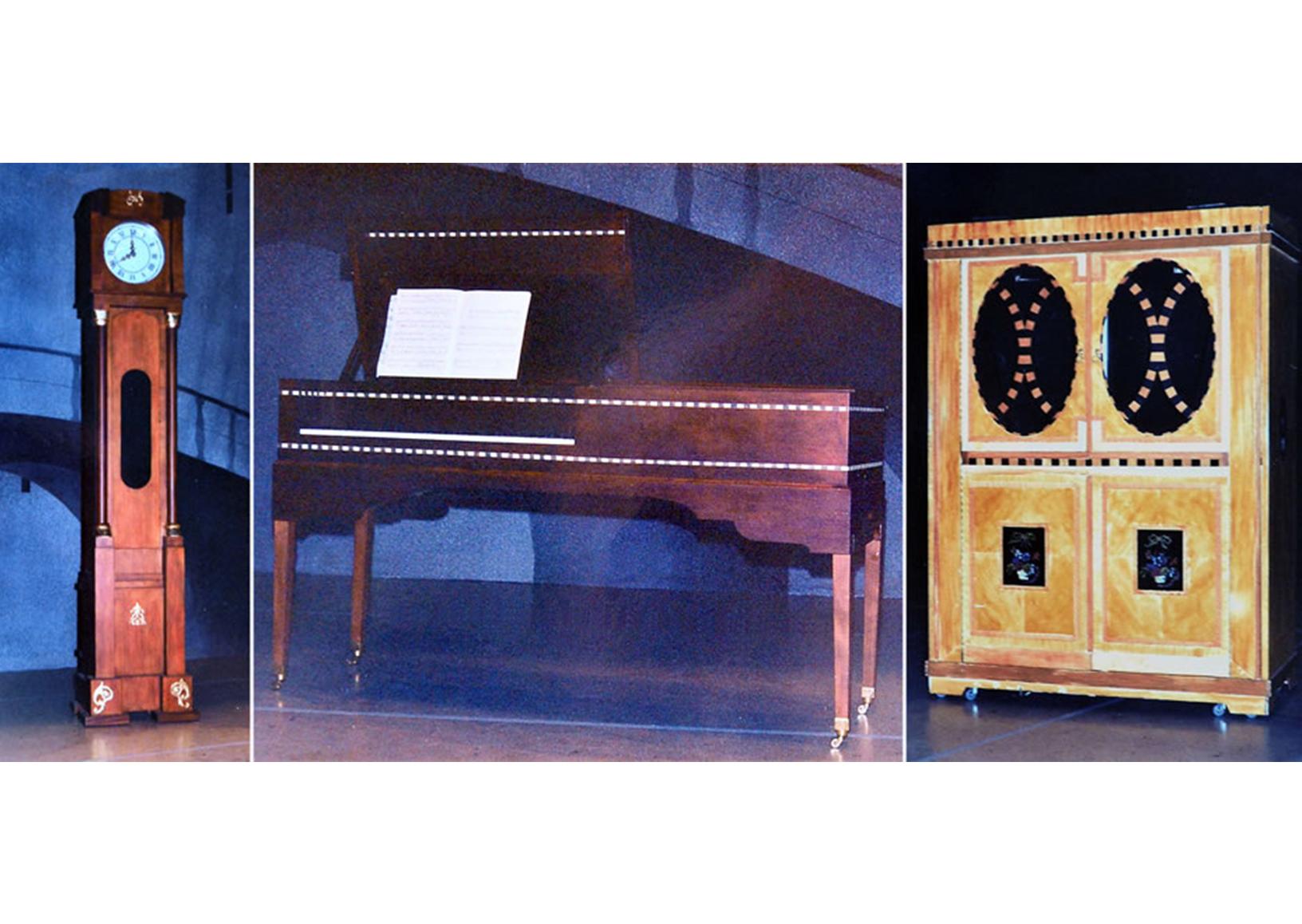 klok piano kast rekwisieten