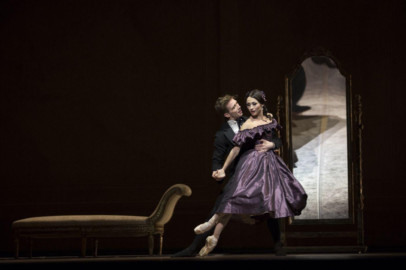 Het Nationale Ballet - La Dame aux Camelias - foto Angela Sterling 0036_groter_