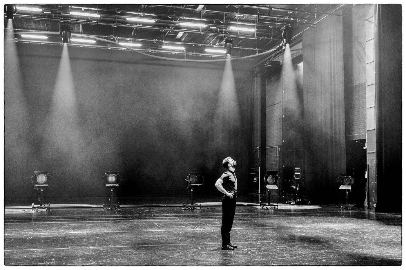 Voices out of Silence, Lorenzo Viotti & DNO Chorus © Marco Borggreve, De Nationale Opera (20).