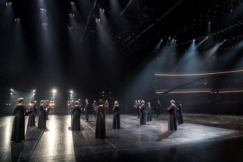 Voices out of Silence, Lorenzo Viotti & DNO Chorus © Marco Borggreve, De Nationale Opera (27) JM.